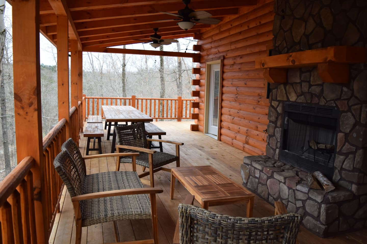 Luxury Cabins in Ohio with outdoor fireplace and hot tub