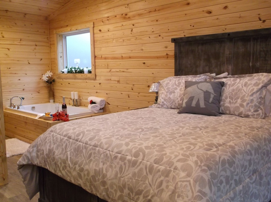 Secluded Cabins in Arkansas cozy romantic cabin