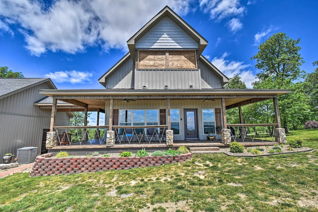 Secluded Cabins in Arkansas hilltop with fire pit