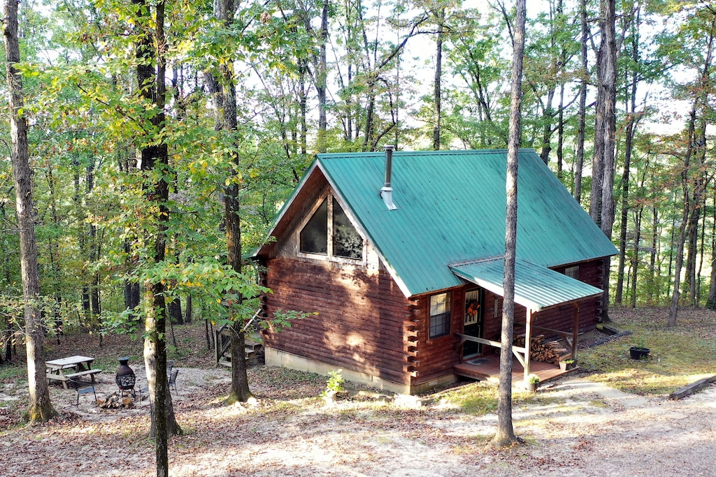 Secluded Cabins in Arkansas perfect fall getaway