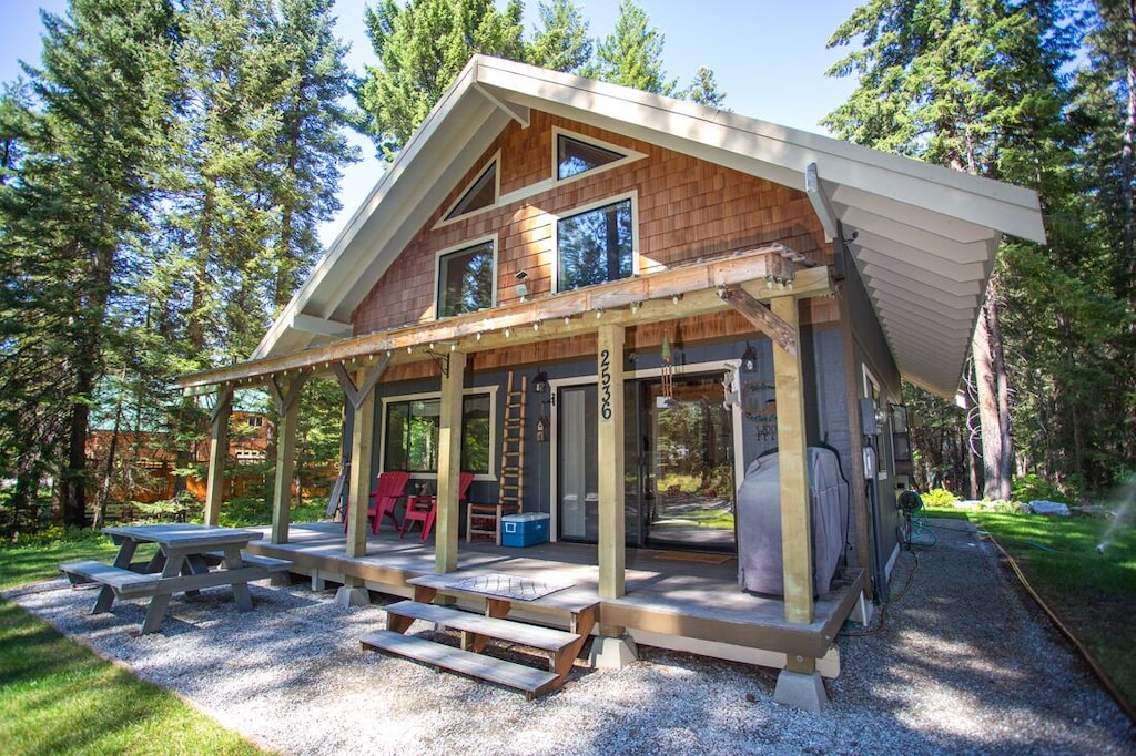 Secluded Cabins in Washington State near leavenworth and stevens pass with hot tub